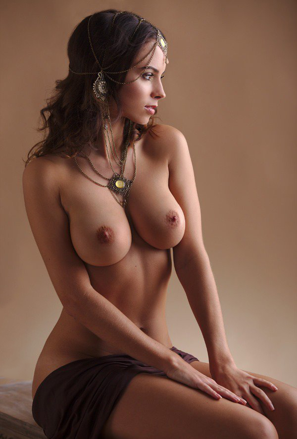Mädchen nackte hübsche junge Big Boobs