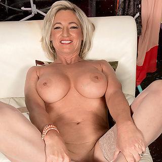 Geile Hausfrau Bilder Die schönsten kostenlosen Pics über Granny Porn Bilder