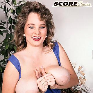 Frauen nackt mit großen brüsten