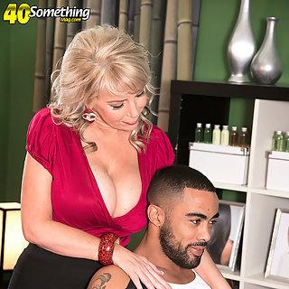 Weiber Schwarze Titten Bilder - Geile Porno Granny Bilder - MILFS Pornos