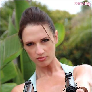 Lara Croft mit Dicken Titten - Lana Kendrick