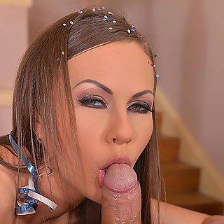 Mega Titten Girl mit schönen Busen - Kostenfrei schöne Www Dicke Brüste TittenBilder