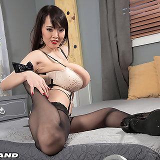 Hitomi Tanaka und ihre mega dicken Hängetitten