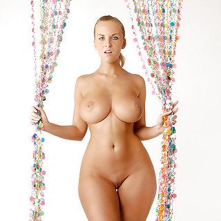 Teen Porn Tube mit dicken Titten