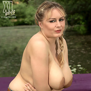 Fette Titten & Milf mit großen Titten & Zum Nulltarif private Tittenporno