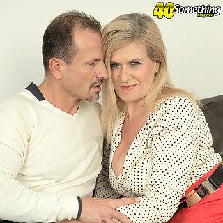 Weiber Porno Bilder Granny - Geile Dicke Titten Bilder - MILFS Pornos