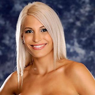 Schöne blonde Frauen Bilder mit dicken Titten