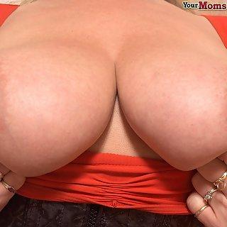 Geile dutsche reife Frau mit Hängetitten