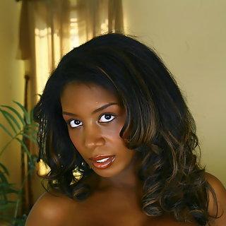 Hängetitten Pics von schwarzen Frauen