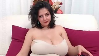 Webcam Girl mit dicken Titten